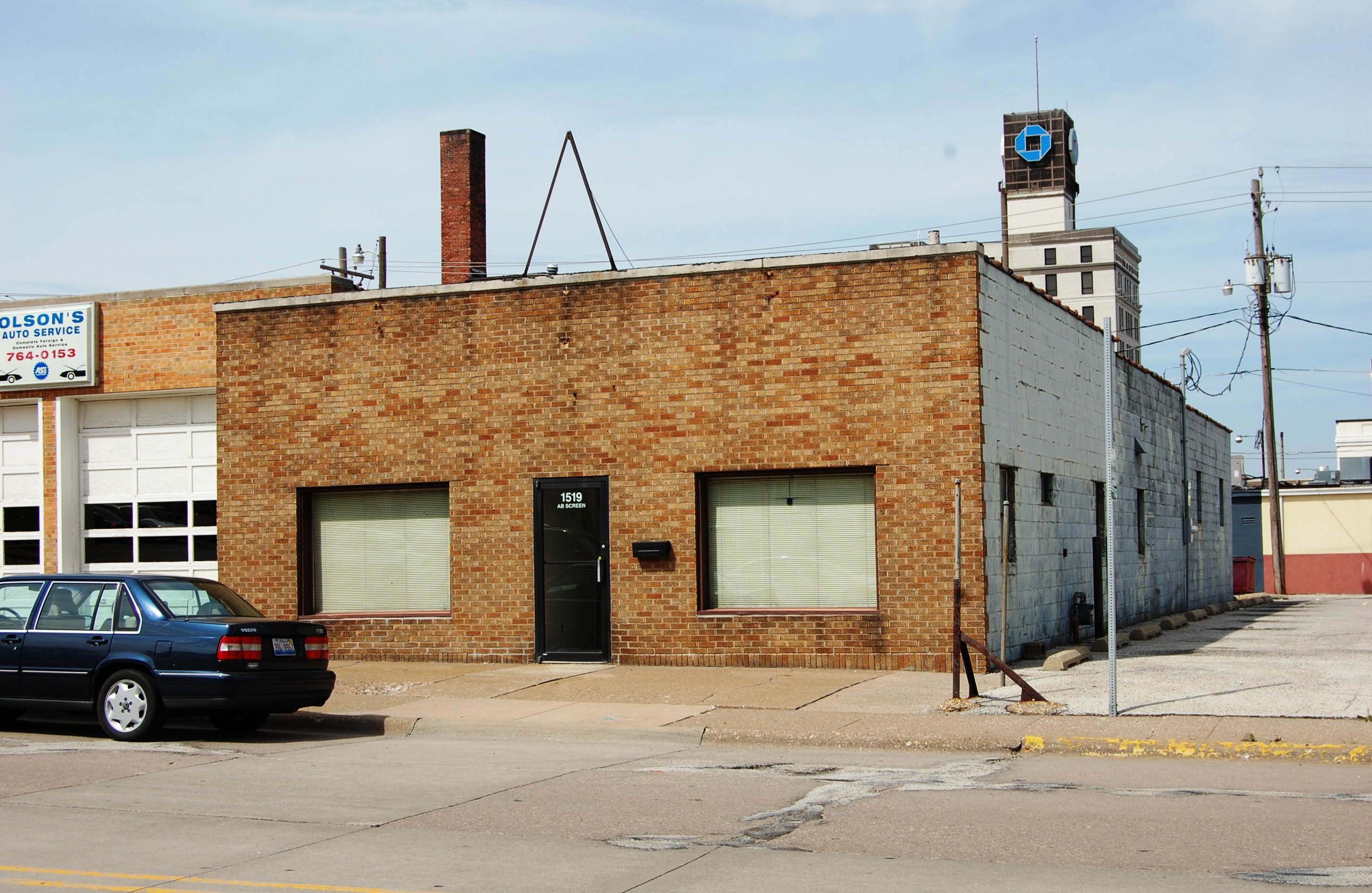 one story commercial building with brick veneer